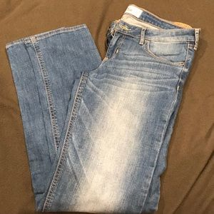 Hollister skinny jeans  29x33. New